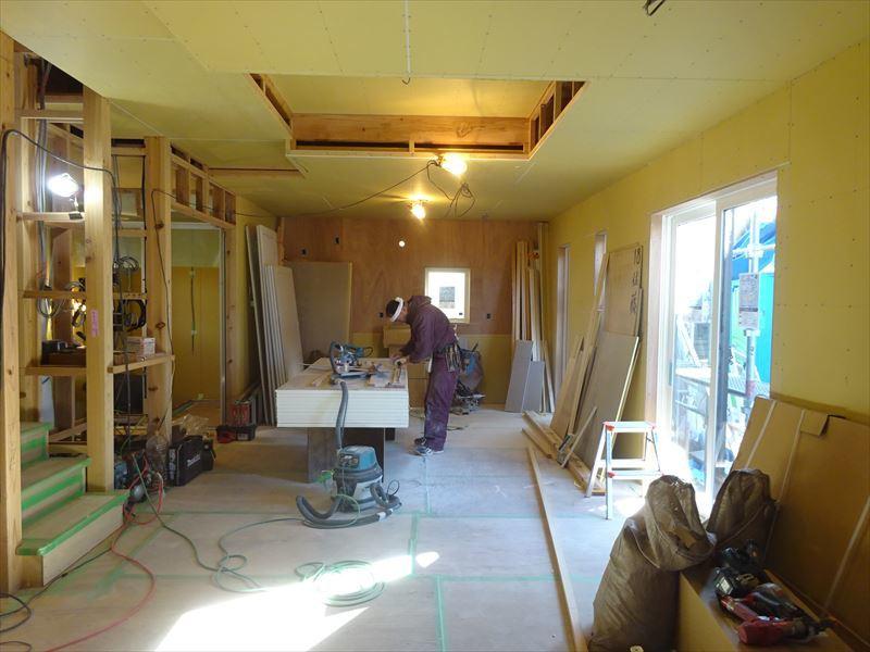 滝沢 穴口の家 大工工事進行中。_f0105112_04063690.jpg