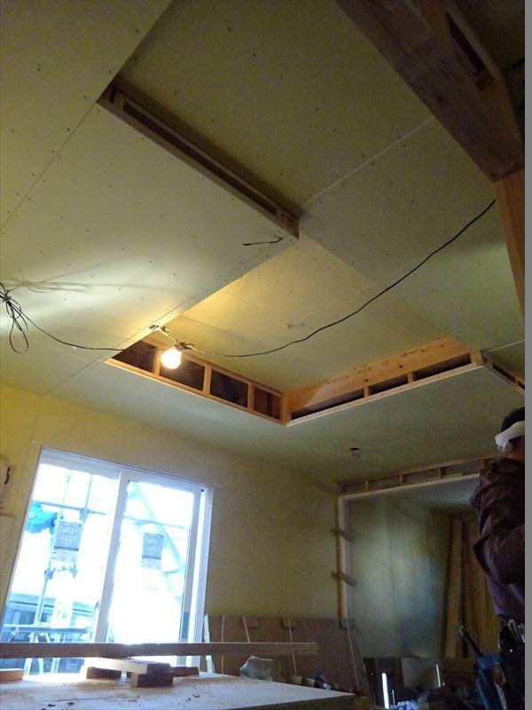 滝沢 穴口の家 大工工事進行中。_f0105112_04130218.jpg