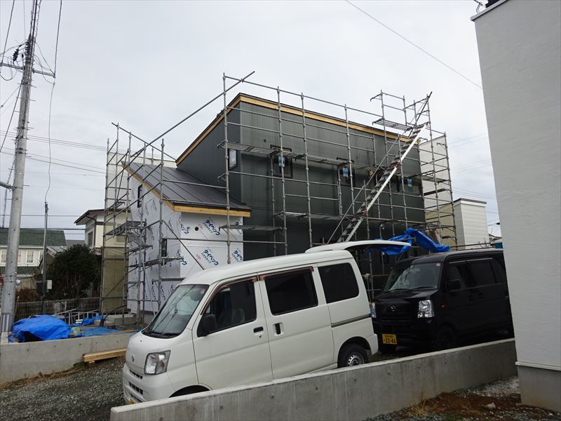 滝沢 穴口の家 大工工事進行中。_f0105112_04130267.jpg
