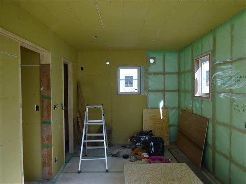 滝沢 穴口の家 大工工事進行中。_f0105112_04130313.jpg