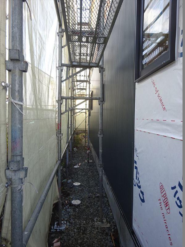 滝沢 穴口の家 大工工事進行中。_f0105112_04130316.jpg
