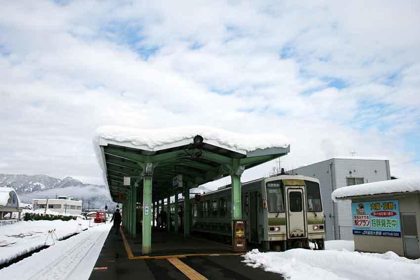 各駅停車の旅と、駅弁、美味しい物♪_d0058941_20272745.jpg