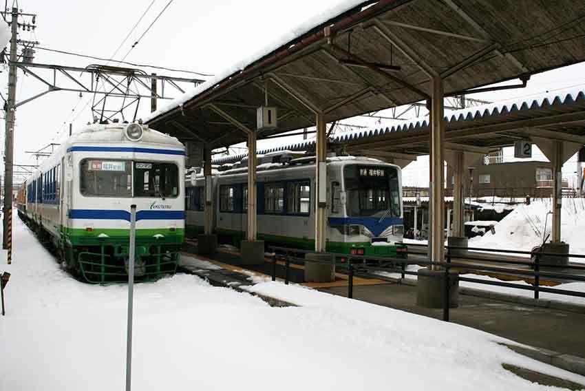 各駅停車の旅と、駅弁、美味しい物♪_d0058941_20280629.jpg