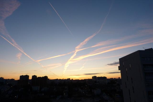 素晴らしい晴れの日に。。近所を歩く。_f0221050_08135032.jpeg