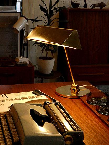 Desk lamp_c0139773_14462734.jpg