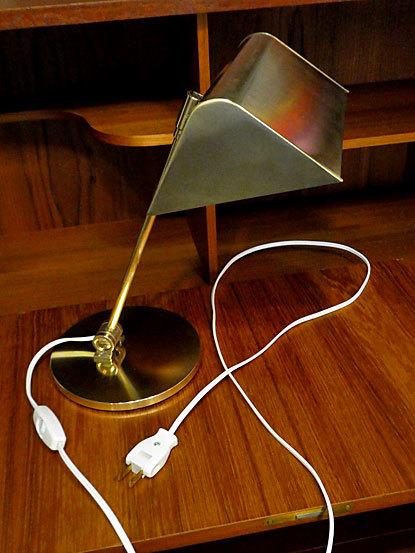 Desk lamp_c0139773_14473671.jpg