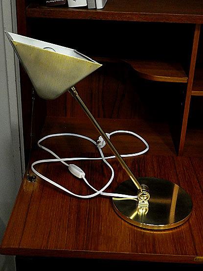 Desk lamp_c0139773_14482115.jpg