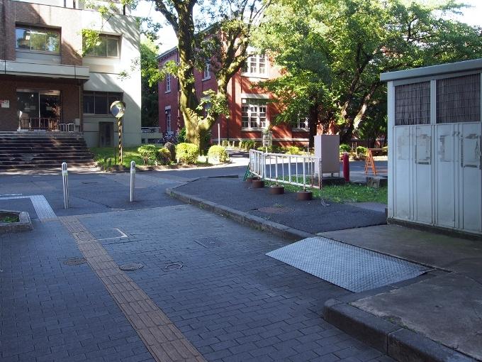京都大学工学部土木工学教室本館_f0116479_13060302.jpg
