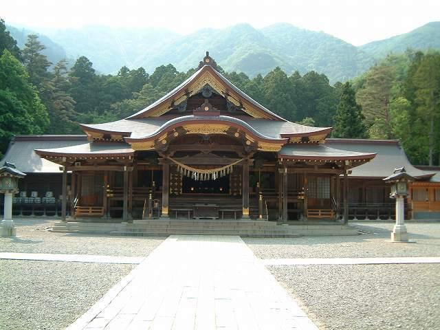 「彌彦神社」 は県内屈指のパワースポット_f0270296_14211307.jpg