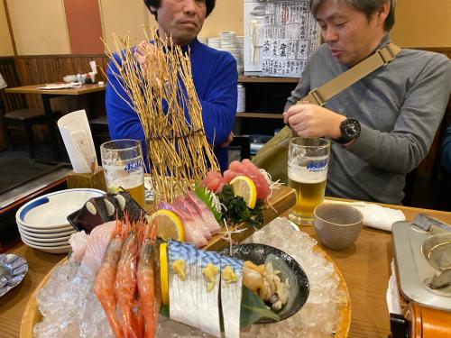 高岡さん、大丸さんを訪問した後の夜は高松で懇親会でした。_e0054299_21510363.jpg