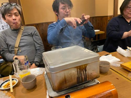 高岡さん、大丸さんを訪問した後の夜は高松で懇親会でした。_e0054299_21510948.jpg