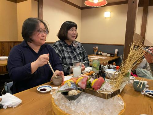 高岡さん、大丸さんを訪問した後の夜は高松で懇親会でした。_e0054299_21511714.jpg