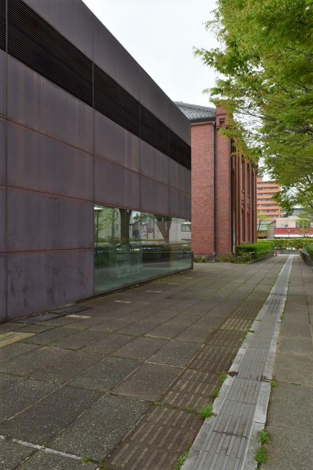 金沢市立玉川図書館・近世資料館(昭和モダン建築探訪)_f0142606_21022574.jpg
