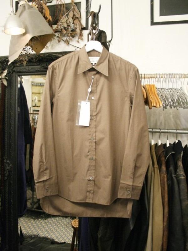 その男本厄、大厄につき 入荷マルタンマルジェラ、カルヴェンの新品、シャツ、パンツ、靴、バッグ_f0180307_03032447.jpg