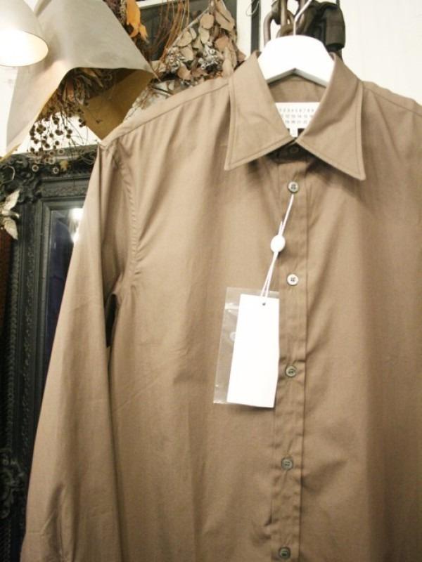 その男本厄、大厄につき 入荷マルタンマルジェラ、カルヴェンの新品、シャツ、パンツ、靴、バッグ_f0180307_03032544.jpg
