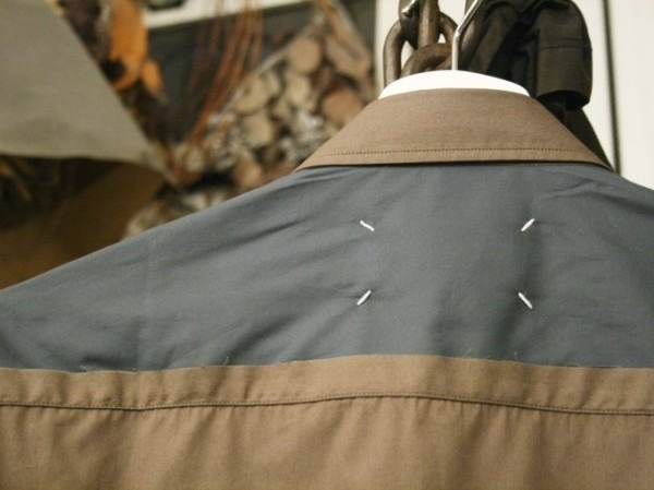 その男本厄、大厄につき 入荷マルタンマルジェラ、カルヴェンの新品、シャツ、パンツ、靴、バッグ_f0180307_03042489.jpg