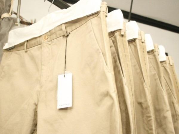 その男本厄、大厄につき 入荷マルタンマルジェラ、カルヴェンの新品、シャツ、パンツ、靴、バッグ_f0180307_03121647.jpg