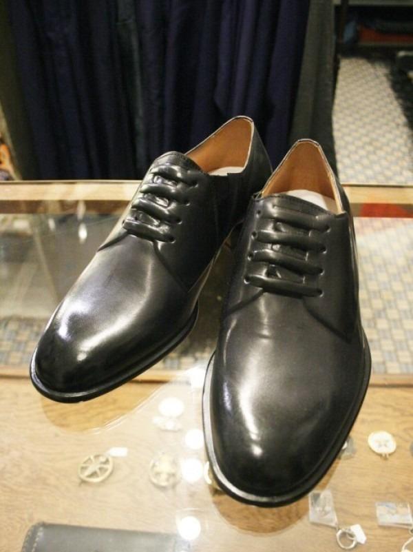 その男本厄、大厄につき 入荷マルタンマルジェラ、カルヴェンの新品、シャツ、パンツ、靴、バッグ_f0180307_03164328.jpg