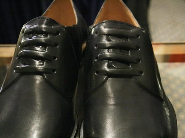 その男本厄、大厄につき 入荷マルタンマルジェラ、カルヴェンの新品、シャツ、パンツ、靴、バッグ_f0180307_03164898.jpg