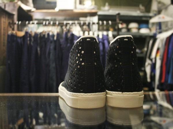 その男本厄、大厄につき 入荷マルタンマルジェラ、カルヴェンの新品、シャツ、パンツ、靴、バッグ_f0180307_03205406.jpg