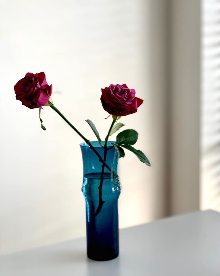 インクブルーの花瓶に。。。_e0243332_21553079.jpg