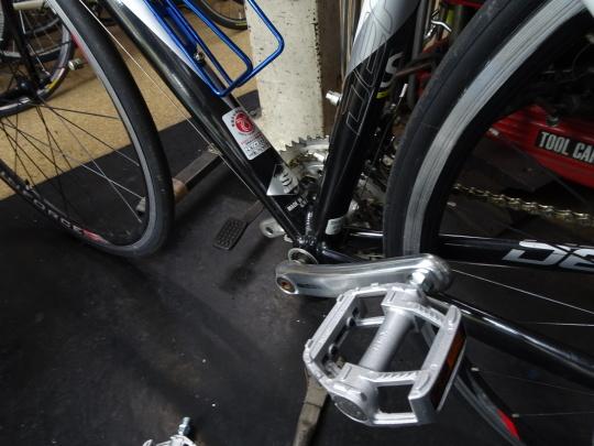 スポーツサイクルお買い上げ ペダルのカスタム_e0140354_17550032.jpg