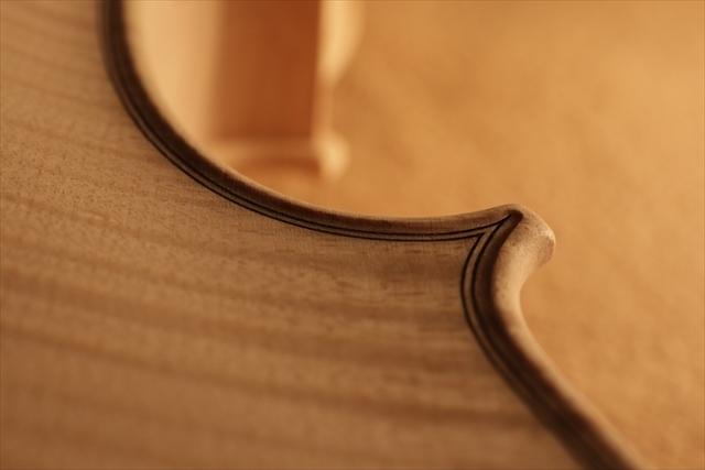 最新作、ホワイトヴァイオリンで完成。_d0047461_04470389.jpg