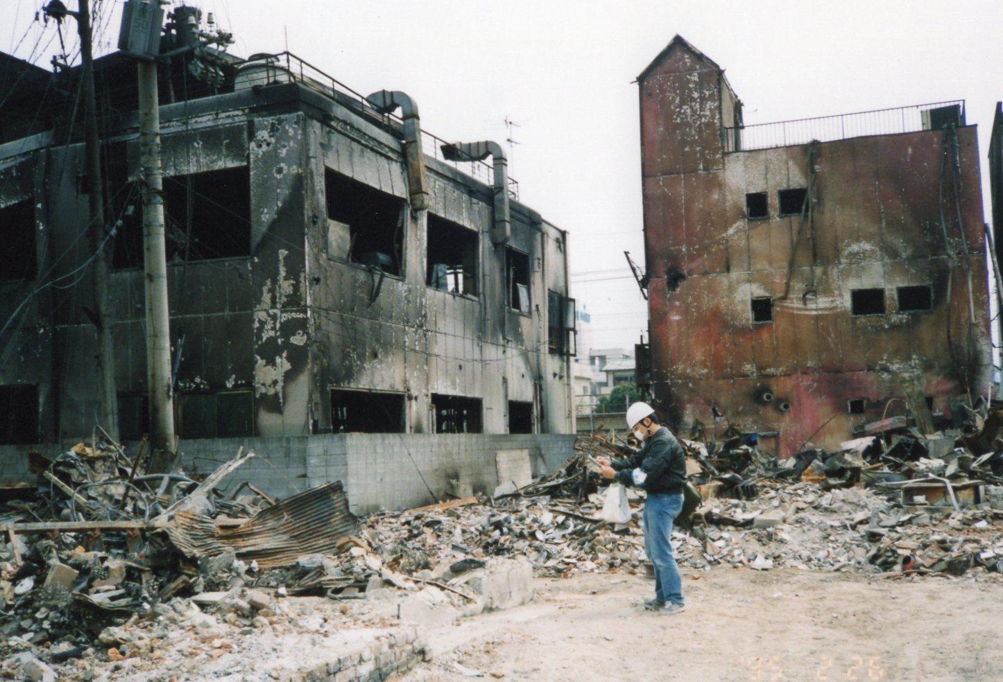 25年前、わけわかっていないのにボランティアに行った私に(阪神大震災)_c0001670_20555029.jpg