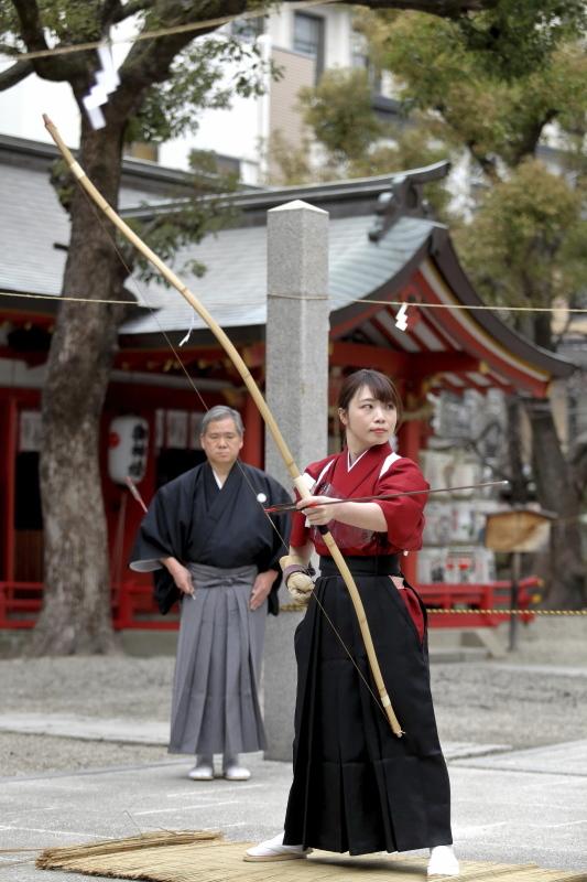 御霊神社 お弓神事_c0196076_08102116.jpg