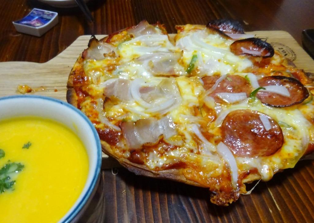 うちのピザは美味い_d0061678_14132876.jpg