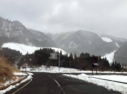 開通したトンネルは快適でしたがスキー場の........_b0194185_18263567.jpg