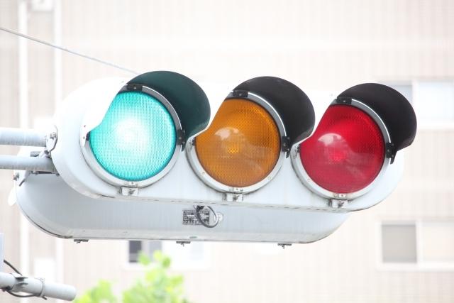 信号は、青?緑?_b0399290_07423536.jpg