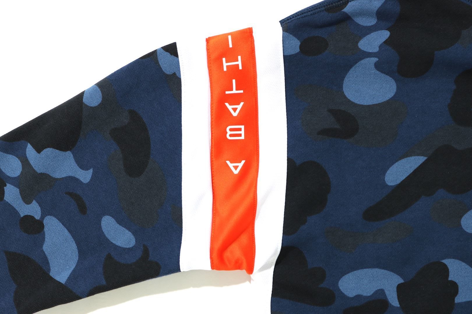 COLOR CAMO LOGO TAPE PULLOVER HOODIE_a0174495_13533125.jpg
