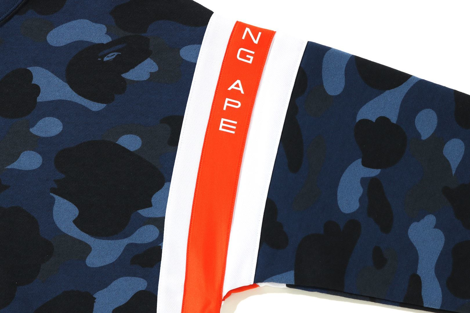 COLOR CAMO LOGO TAPE PULLOVER HOODIE_a0174495_13592103.jpg