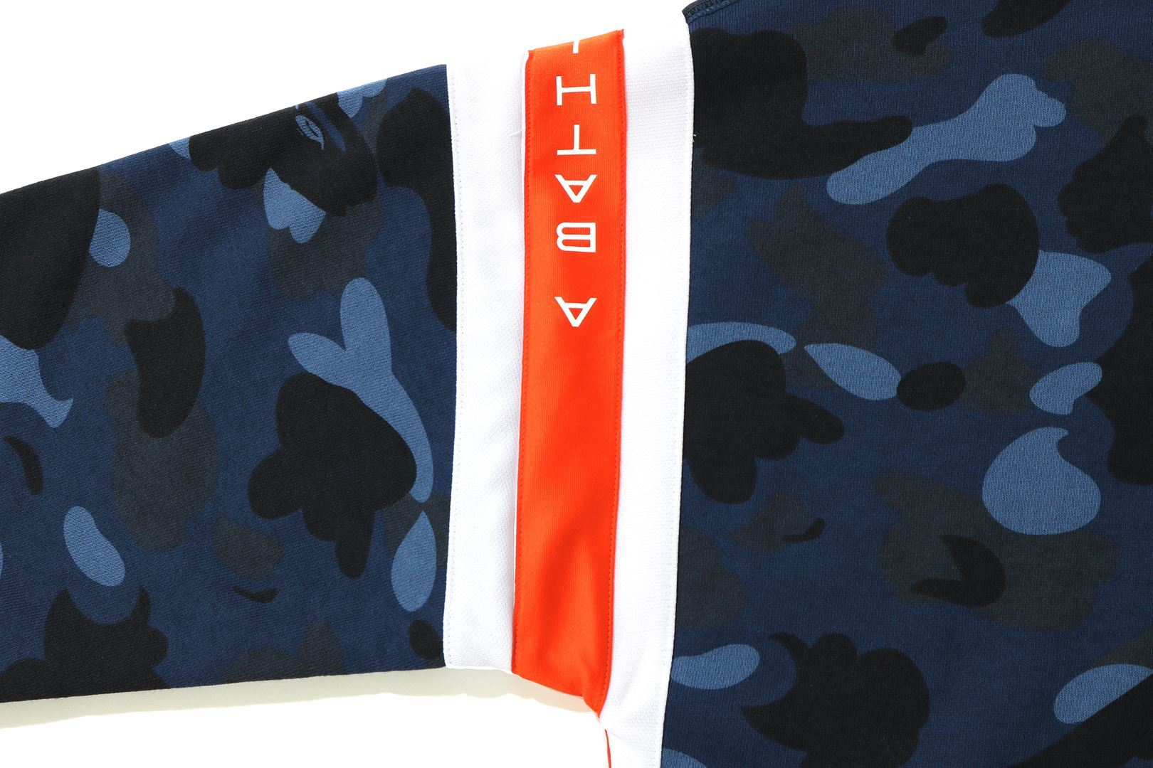 COLOR CAMO LOGO TAPE PULLOVER HOODIE_a0174495_13592820.jpg