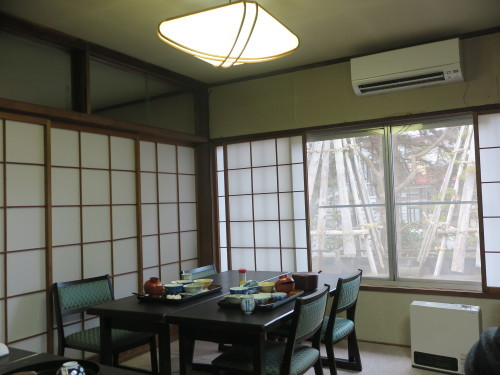 朝:保養センターの朝食 昼:干し🍠添えトースト&コーヒー 夜:くら寿司の天丼_c0075701_19511501.jpg