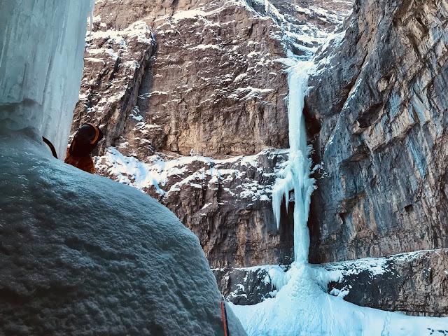 アイスクライミングの秘境、ゴースト。ルート名: フィアフルシンメトリー / 6級_d0112928_06231565.jpg