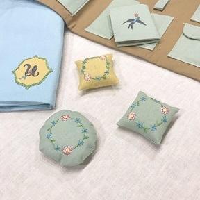 「uzumさんの刺繍教室vo.3」ニードルブックの会を開催しました・・・♪_f0168730_08541303.jpg