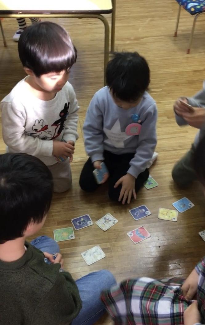 朝の自由遊び【 年中さん】_e0412431_18464421.jpg
