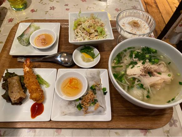 「ジャスミンパレス 横浜店」ベトナム料理の定食屋さんって感じで良いですね。_f0054556_11073404.jpg