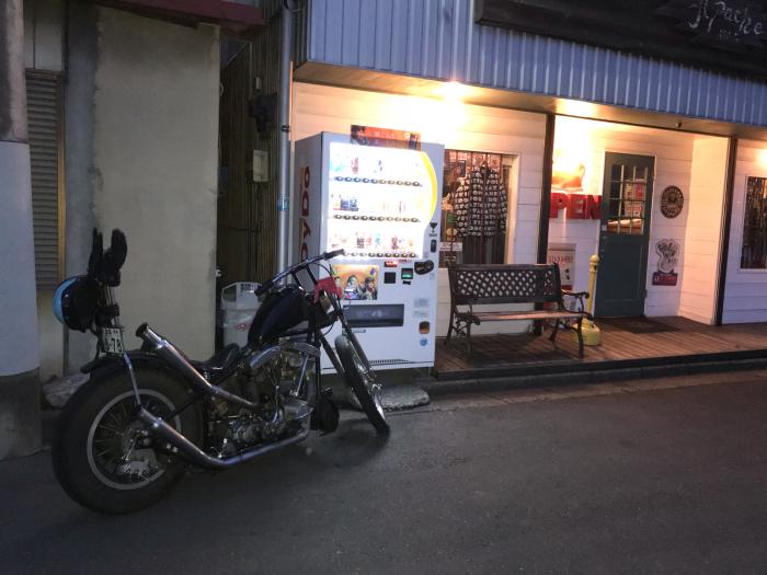 本日のバイク!_f0194657_19033557.jpg