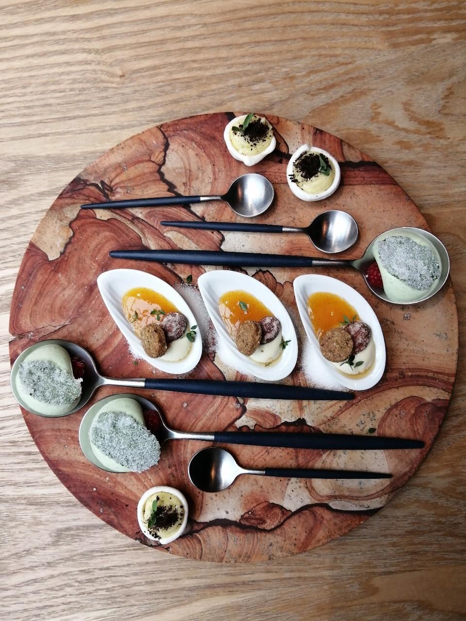 パリ 日本人シェフの店 Restaurant ERH_b0060363_20033086.jpg