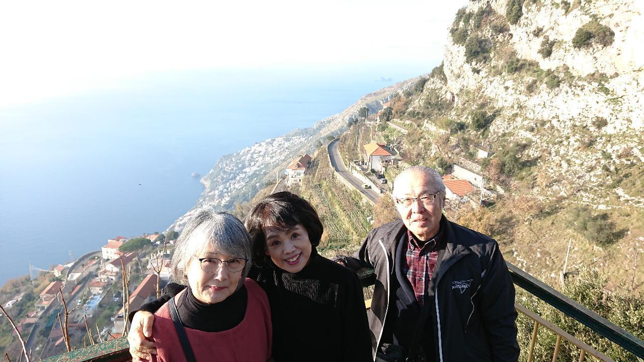 ナポリの近くのアマルフィ海岸_e0365880_21134513.jpg
