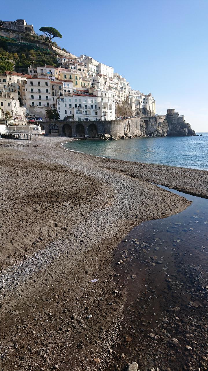 ナポリの近くのアマルフィ海岸_e0365880_21161042.jpg