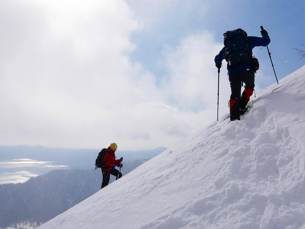 雪から晴天に変わった漁岳、2020.1.19ー速報版ー_f0138096_20483361.jpg