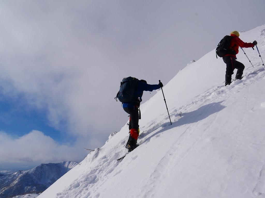 雪から晴天に変わった漁岳、2020.1.19ー速報版ー_f0138096_20483682.jpg