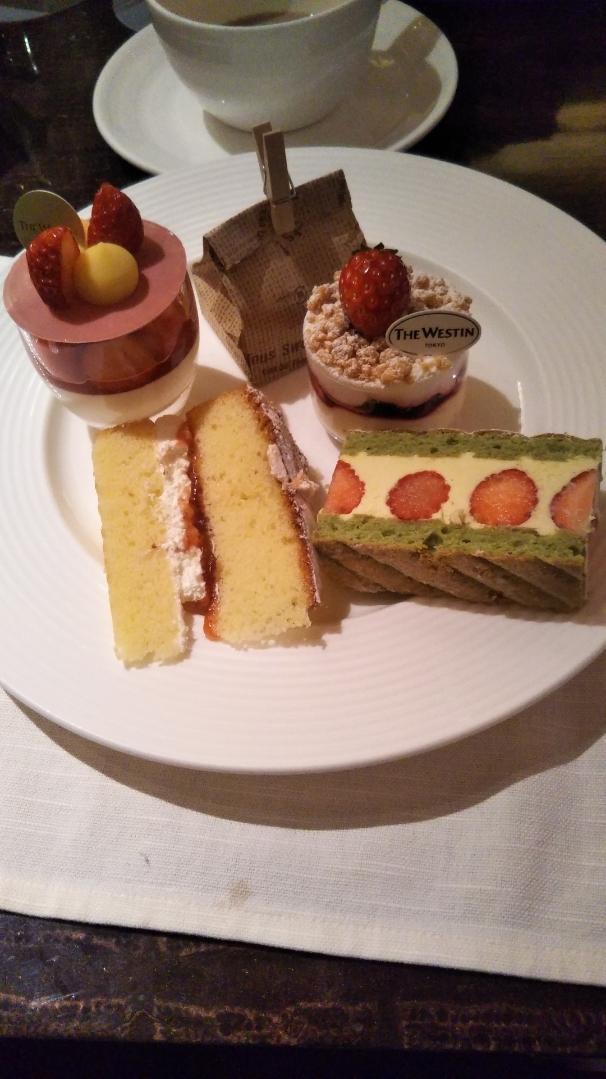 ウェスティンホテル東京 ザ・テラス ストロベリーデザートブッフェ_f0076001_23384770.jpg