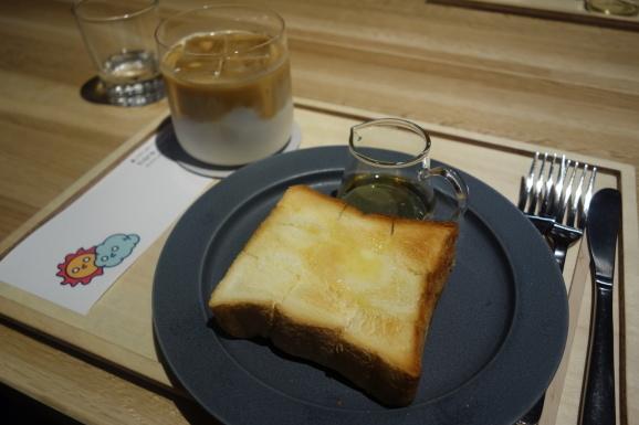 dotcom space Tokyoさんでトーストとラテ_e0230011_17052594.jpg