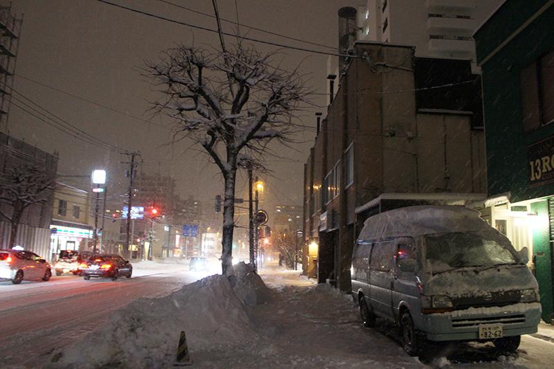 本日3回目の除雪  札幌自転車屋。_a0139912_20172003.jpg