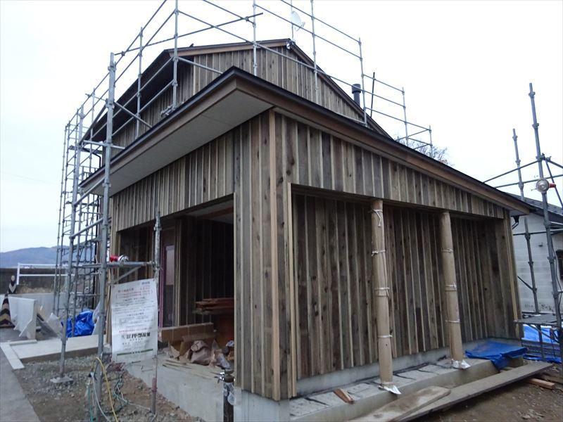 仙北町の家 大工工事が進行中です!_f0105112_04254836.jpg